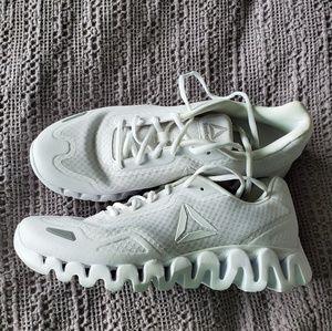 Reebok Zigtech Sneakers women's size 10